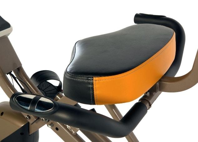 Seat and handlebars of 525 XLR